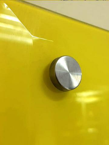 Дистанционное крепление для магнитно-маркерной доски