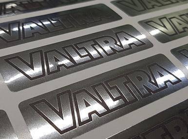 Наклейки на металлизированной пленке