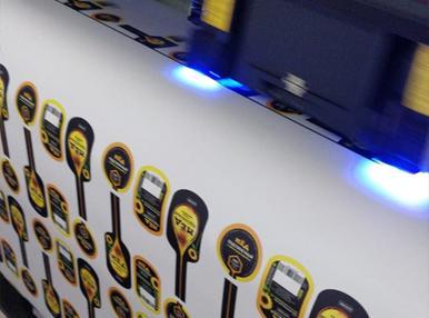 УФ печать с выборочным лакированием